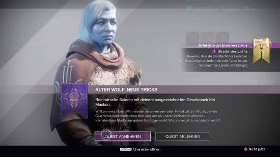 Tyra bittet Euch, eine Ihrer selbst gemachten Masken Lord Saladin vorzuführen.