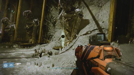 Raid-Guide Königsfall: Die Relikte müssen in die passende Statue gelegt werden.